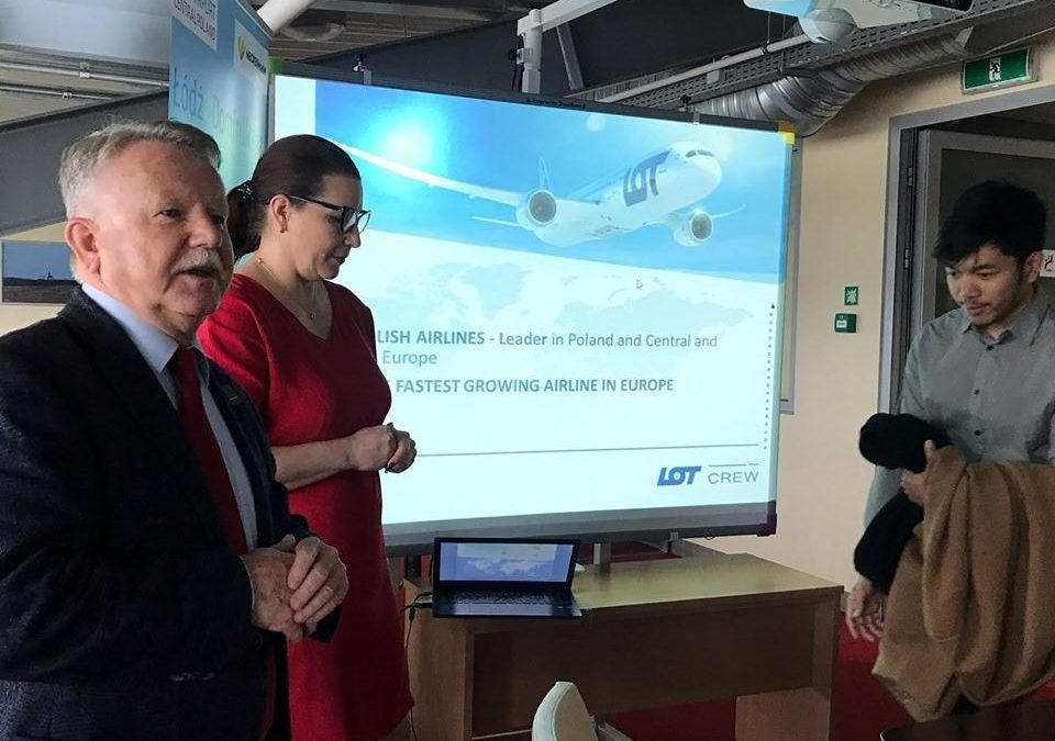 LOT POLISH AIRLINES RECRUITMENT MEETING FOR MODULAR AND INTEGRATED TRAINING CADETS